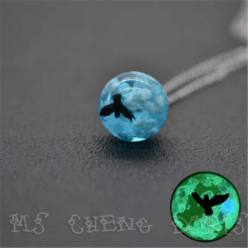 Noctiluce Blue Sky And White Clouds Bird Gradient Pendant Necklace, Transparent Crystal Resin Pendant Jewelry For Women Gift
