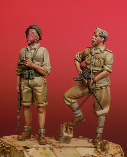 1/35 Stand Italian Warrior 2 Figures    Resin Figure Model Kits Miniature Gk Unassembly Unpainted