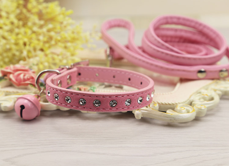 Dog Traction Neck Ring Bell Lanyard Cat Chain Neck Ring Traction Pet Dog Diamond Universal Dogs Poodle Not