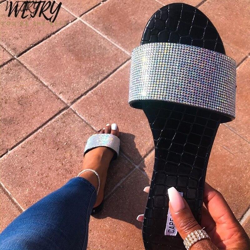 IN 2020 diamond sequins beach flip flop bright diamond women's sandals PVC flat bottom ladies beach slippers Candy colors