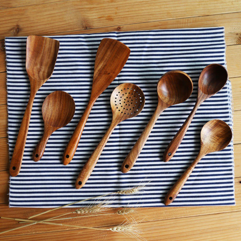 Lightweight Kitchen Utensils and Cooking Spatula Set with Long Handle Made of Natural Wood 2