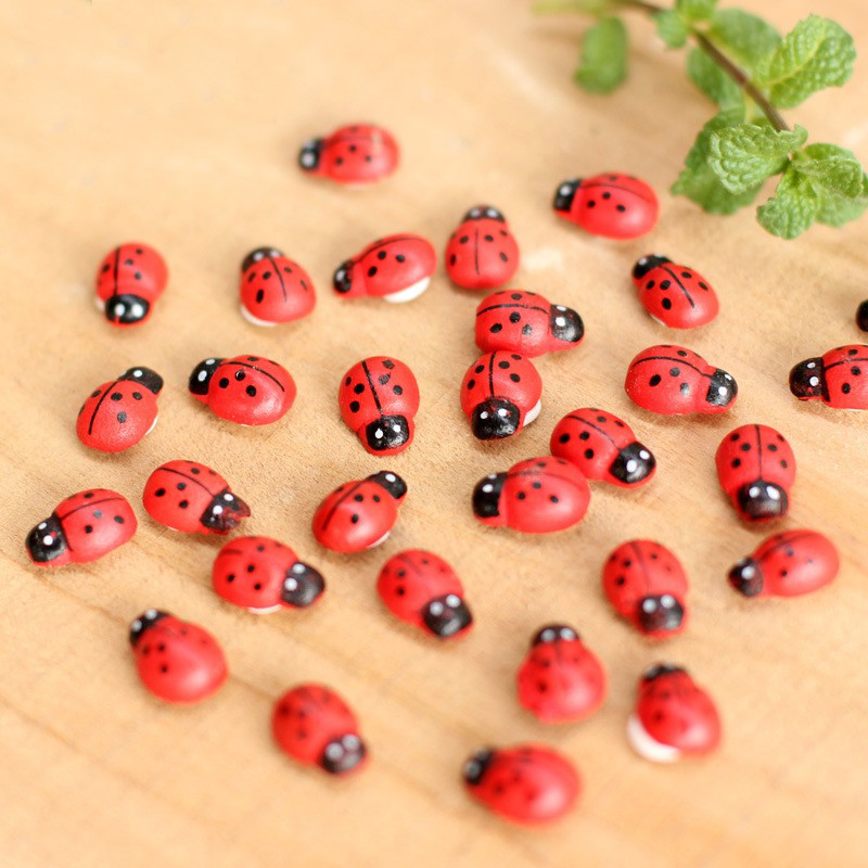 100pcs/pack 1.4*0.9cm Mini Wooden Ladybug Sponge Stickers Mini Fridge Magnets For Scrapbooking Micro Landscape Decor
