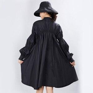 Image 5 - [EAM] Frauen Big Size Oversize Plissee Kleid Neue Stehen Ansatz Lange Laterne Hülse Lose Fit Mode Flut Frühjahr herbst 2020 1A331
