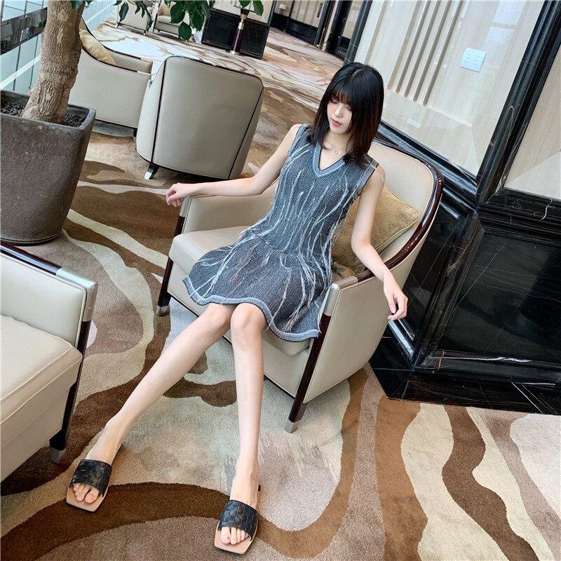 Mr Li 】 French celebrities small wind v neck tassel black silver silk sleeveless SA0657 knitting dress back