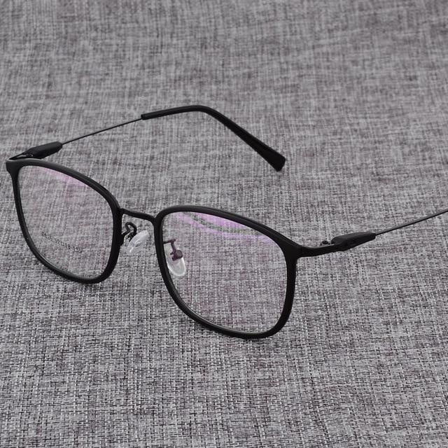 Montura de aleación para gafas cuadradas ultralivianas, graduadas para miopía, montura ópticas metálicas para hombre y mujer, D825