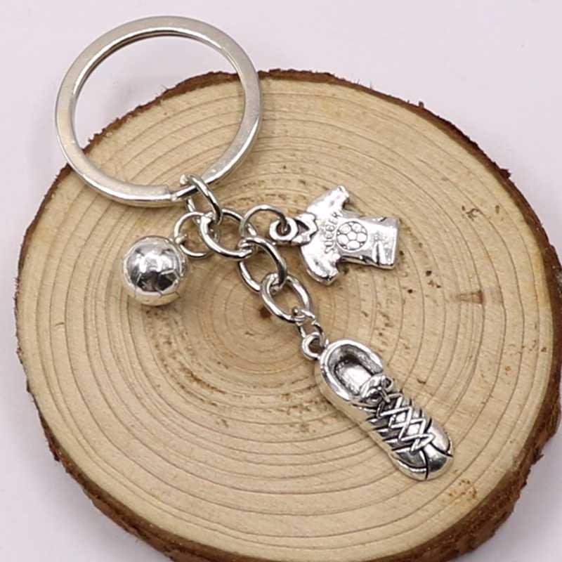 אופנה סגולה ג 'רזי Keychain גברים מתנה מפתח שרשרת כדורגל נעלי כדורגל רכב מפתח טבעת מתנת מסיבת תכשיטי מחזיקי מפתחות