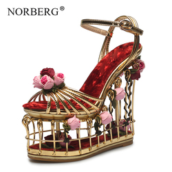 Mode rode bloem sandalen vrouwen super hoge hak bruiloft schoenen enkelbandje gesp luxe party shoesBirdcage hak Catwalk vrouw