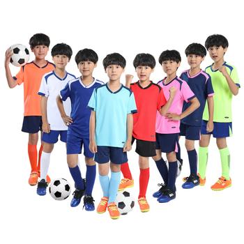Wysokiej jakości stroje piłkarskie dla chłopców dziecięce tanie zestawy piłkarskie Survetement zestaw do piłki nożnej dla młodzieży koszulki dziecięce Futbol tanie i dobre opinie NoEnName_Null CN (pochodzenie) POLIESTER Dobrze pasuje do rozmiaru wybierz swój normalny rozmiar Blue Sky Blue Navy White Green Orange Red