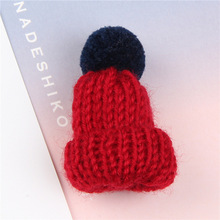 1 Pcs Mini Colorful Woolen Knitted Hairball Hat Brooch Pin for Women Sweater Shirt Coat Collar Cute Badge Pins Fashion Jewelry