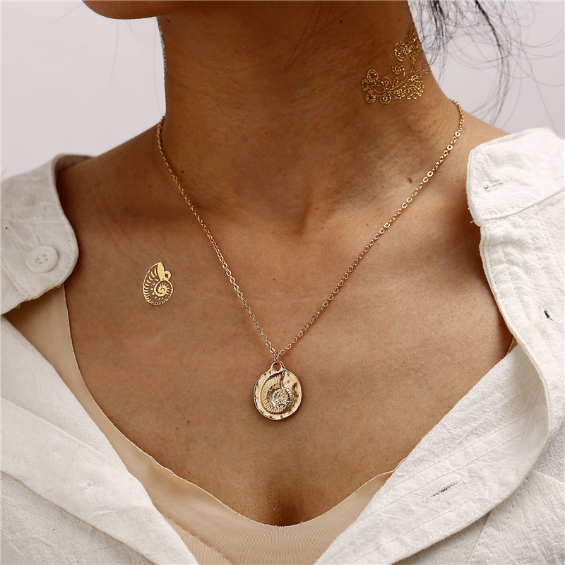 Sea Fashion Conch Shell Starfish Pendant Necklace 2019 Gold Color Retro Marine Life Choker Necklace Beach Jewelry For Women