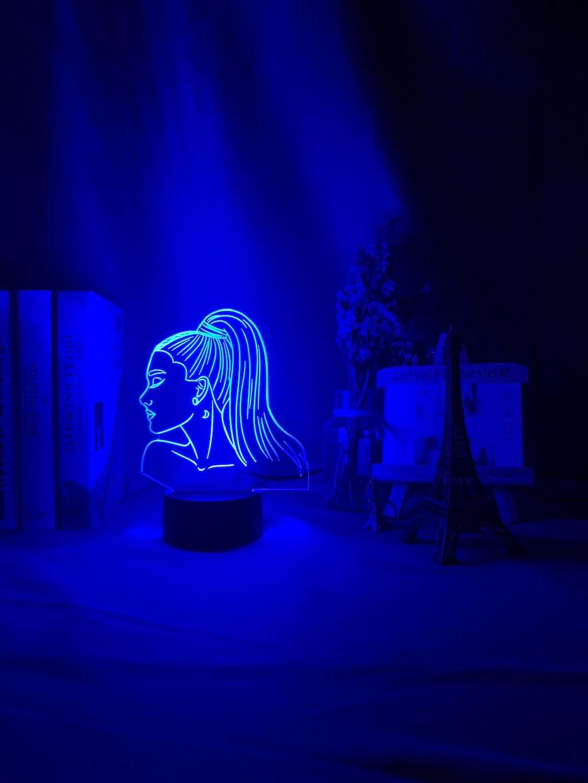 H89b0530942264961a507ded9d4f07027a Luminária Ariana Grande pop Luz noturna 3d, singer ariana, presente grande para ventiladores, decoração do quarto, luz led, sensor de toque, mudança de cor, lâmpada de mesa celebridade, celebridade