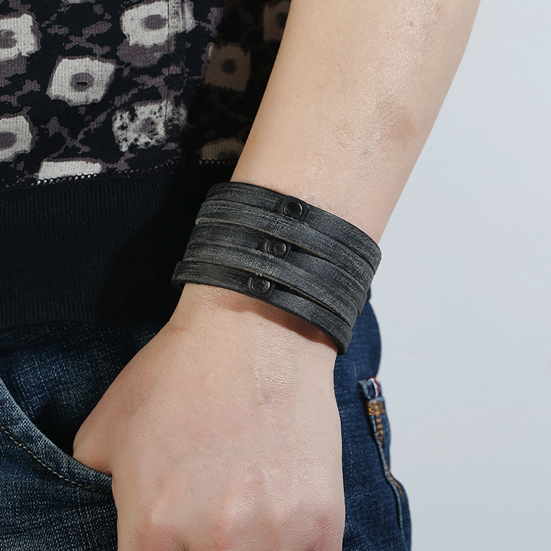 leather bracelet P01885-2