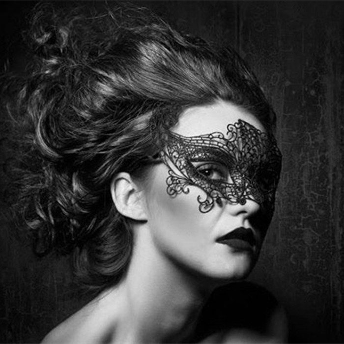 Black lace mask female stereotyped hollow masquerade party sex sexy adult half face Halloween fashion charming enchanting mask