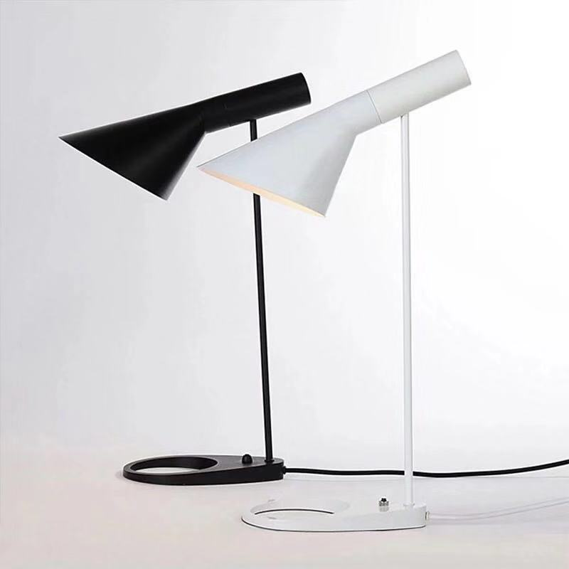 Replica Louis Modern AJ Desk Lamp Arne Jacobsen Table Lamps For Bedroom Study Stand Light Fixtures Home Loft Decor Luminaire E27