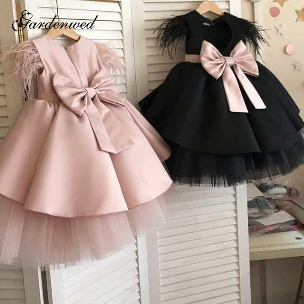 Pink Satin Flower Girl Dresses O-Neck Bow Sashes Communion Dresses Feathers A-Line Short Girls Wedding Party Dresses