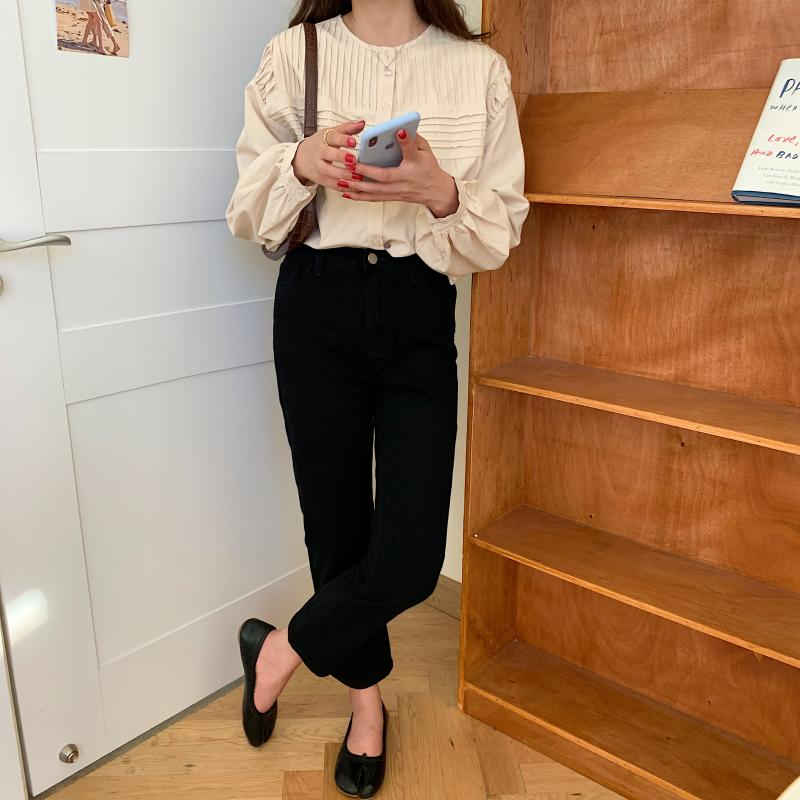 H89dab48ef26c490d868f7e86807ddc2cw - Spring / Autumn Korean O-Neck Long Sleeves Pleated Solid Buttons Blouse