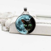 Cross-border new accessories Moon and cat crystal glass pendant alloy necklace