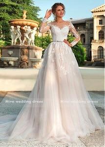 Image 2 - Mangas compridas vestido de casamento ilusão renda apliques com cinto vestidos de noiva botão traseiro e rendas até vestido de noiva