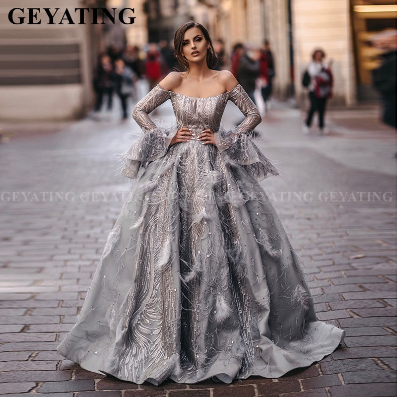 Arabic Silver Grey Off Shoulder Ball Gown Evening Dress With Feathers Long Sleeves Dubai Formal Prom Dresses Long Party Gowns