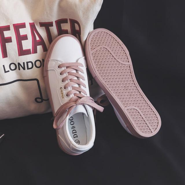 נעלי אישה 2020 אביב חדש שטוח עור סניקרס נשי מוצק צבע תלמיד פלטפורמת נעליים מזדמן נמוך למעלה דירות נשים נעליים