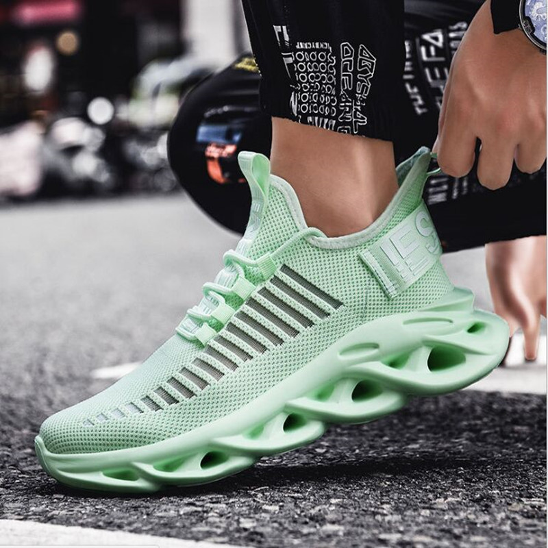 2020 Hot Sale Running Shoes For Men Light Green Big Boy Sport Shoes Mesh Breathable Mens Running Shoes Size Gym Sneakers Men
