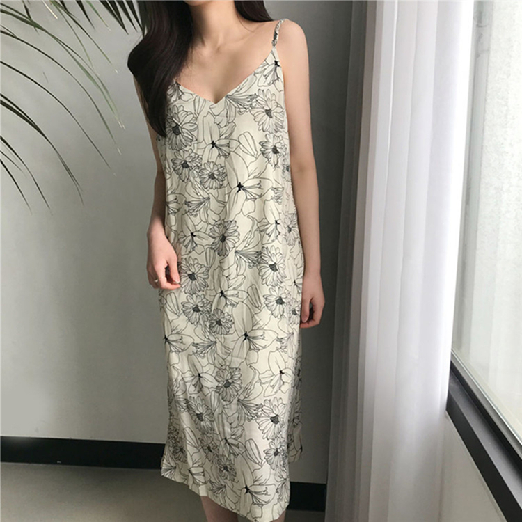 Colorfaith New 2020 Women Spring Summer Sundress V-Neck Beach Holiday Backless Loose Sexy Flowers Print Vintage Long Dress DR140