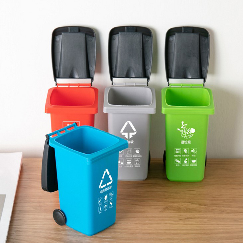 1 Pcs Kawaii Plastic Waste Bins Pen Dustbin Mini Trash Can Garbage Truck Cans With Lid Stationery Holder Rubbish Garbage