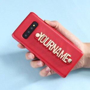 Image 2 - Pour Samsung Galaxy S8 S9 S10 Plus Note 8 9 A50 personnalisé en cuir étui de téléphone tenant sangle or métal nom texte téléphone Funda Coque
