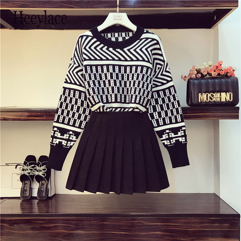 2019 Autumn New Vintage Striped Loose Sweater + High Waist Pleated Skirt Two-piece Set Girls Student Casual Skirt Sets