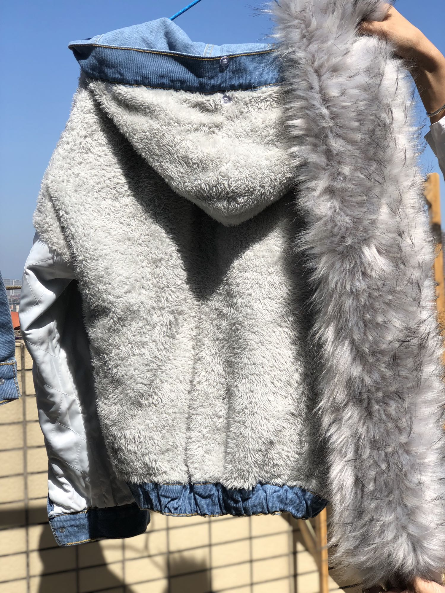 H8a2bfca4c19540bd938321269d3cea524 LUZUZI 2019 New Warm Winter Bomber Women Winter Autumn Hooded Girls Coat Jeans Denim Jackets Basic Ladies Top Windbreaker Female