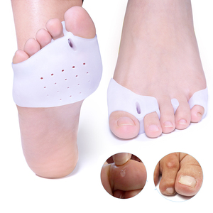 2pcs Forefoot Pads Spreader For Bunion Corns Overlapping Toe Separator Ball of Foot Cushions Hallux Valgus Foot Care C1727(China)