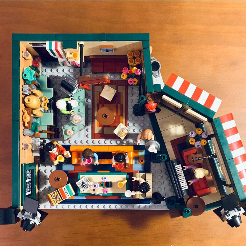 In Stock Classic TV American Drama Friends Central Perk Cafe Fit  Friends Model Building Block Bricks 21319 Toy Gift