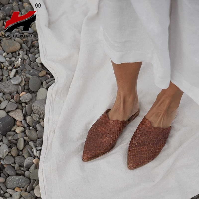 NAN JIU MOUNTAIN 2020 Summer Hand-Knitted Slippers Summer Flat Sandals Women Outside Slippers Pointed Comfortable Flat Shoes