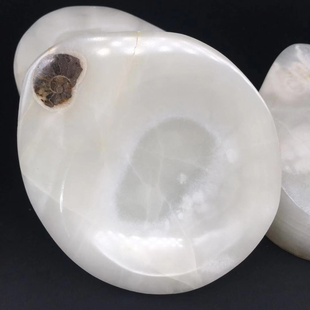 white jade ashtray (4)