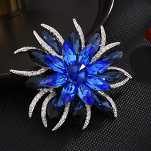 Vintage Blue Flower Brooches for Women Luxury Crystal Rhinestones Lapel Pins Girl Coat Scarf Shirt Brooch Pin Jewelry broche vintage fabric houndstooth bow brooch lapel pin necktie ribbon brooches jewelry luxury crystal broche gift for women accessories