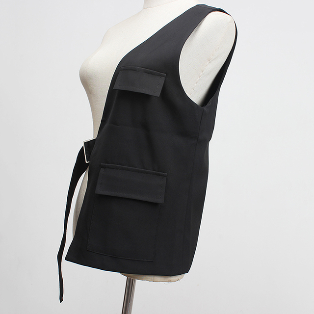 [EAM] Women Loose Fit Black One Side Buckle Split Joint Vest New V-collar Sleeveless   Fashion Tide Spring Autumn 2021 1Y958 3