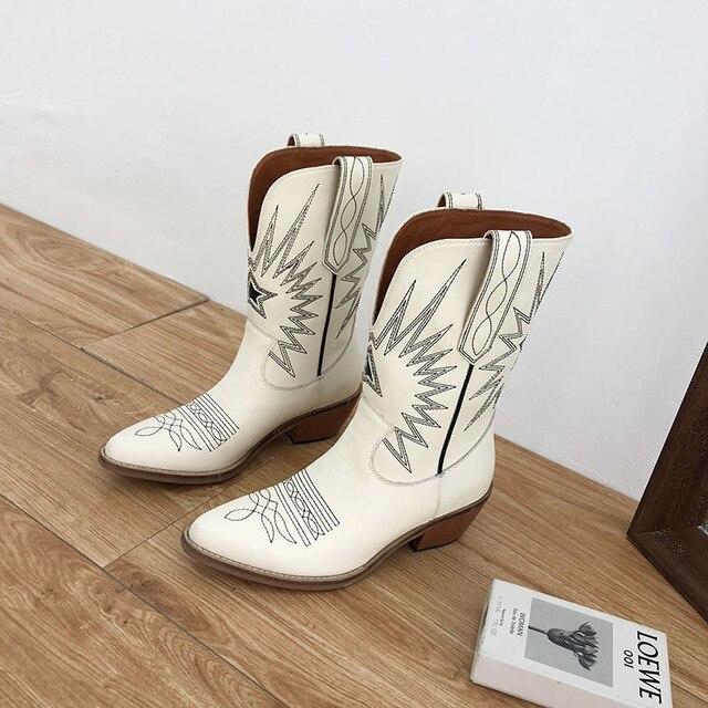 Фото женские ковбойские ботинки осенне зимние мотоциклетные с острым цена