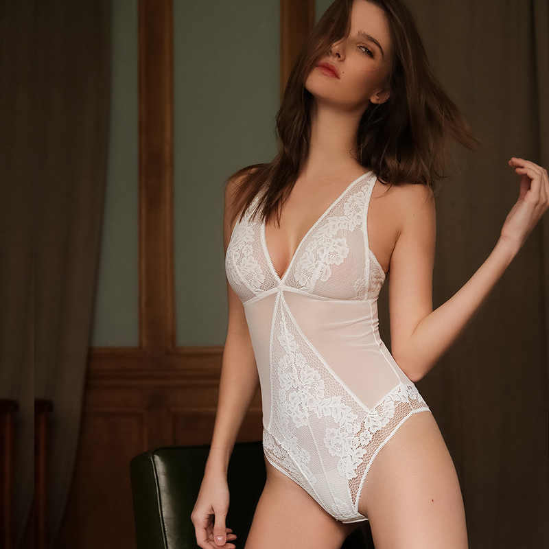 Transparent Lace Bodysuits Wireless Unlined Sexy Women Bodyshaper Light Control Floral Pattern Hollow out Beauty Back