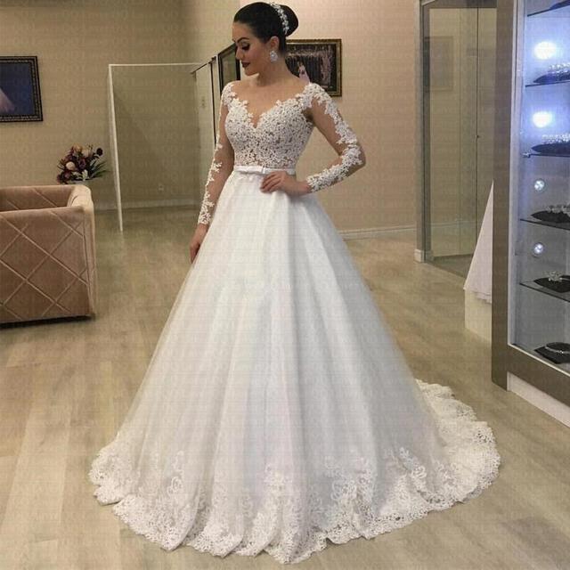 Simple Tulle Lace Applique Wedding Dress Long Sleeve Scallop Shape Floor Length A-line Wedding Dress Color Customizable 1