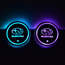 Subaru Forester Impreza 레거시 아웃백 Pleo Stella XV 자동차 로고 7 색 발광 컵 패드 LED 컵 홀더 조명 코스터
