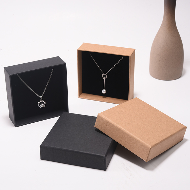 PK-005 Fashion Jewelry Packaging Square Box Jewelry Box For Necklace Classic Gift Box Made Of Kraft Paper And Sponge Liner