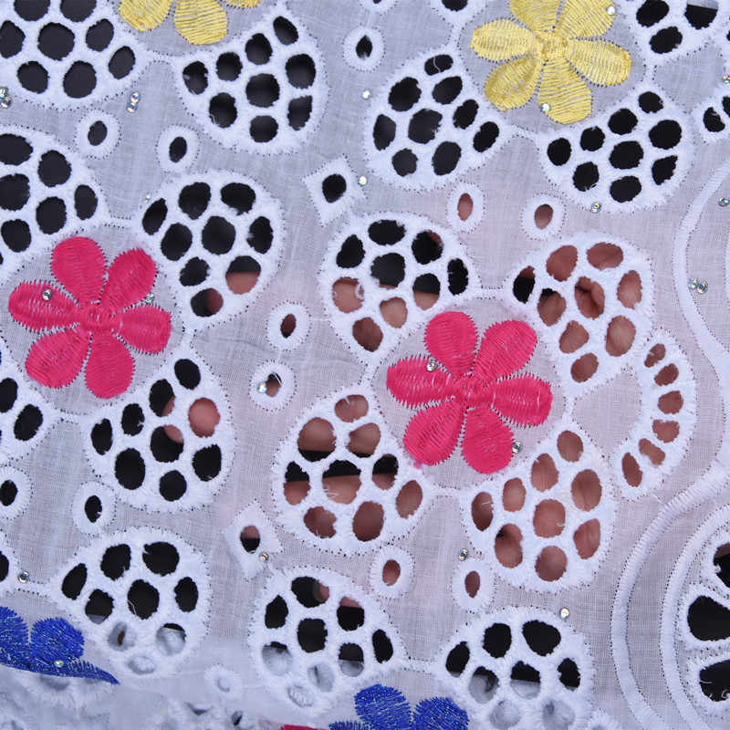 Дешевые продажи Дубай кружево здоровая кожа швейцарская вуаль в швейцарской ушко Африканский нигерийский сухое кружево для свадебного платья сшить A1724
