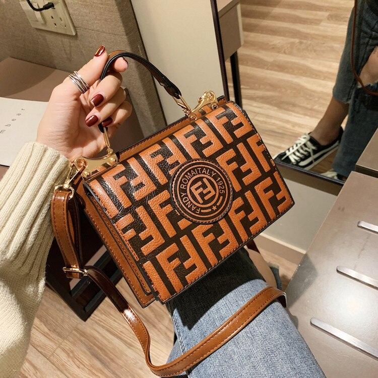 Bolsos de cuero de PU de diseñador de lujo de las mujeres de moda letras de las señoras Vintage repujado bolso de mano Casual de mujer bolsos de bandolera