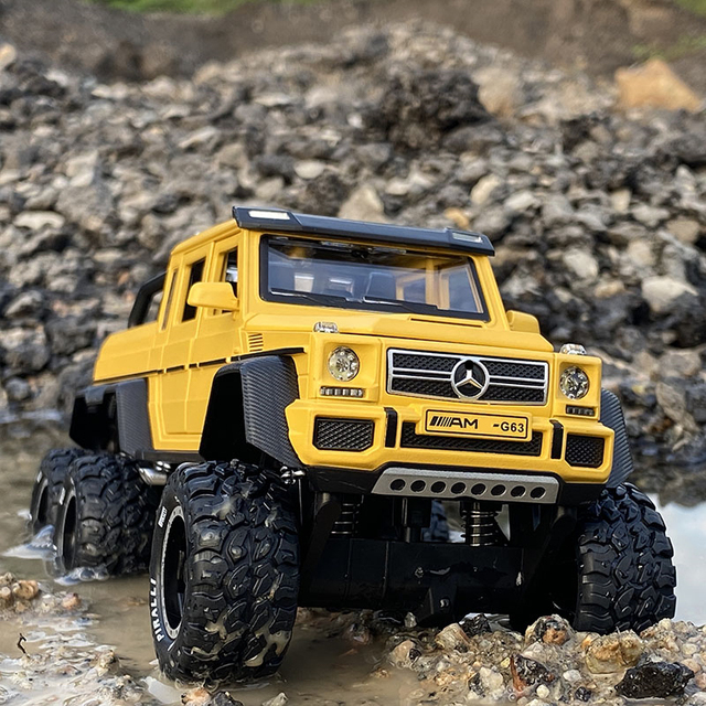 1:28 BenzsG63 G63 6*6 Big Tyre Off-Road Vehicle Alloy Pickup Car Model Diecast & Toy Vehicles Metal Car Model Childrens Toy Gift 2
