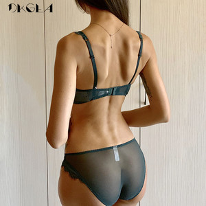 Image 2 - طقم ملابس داخلية من الدانتيل باللون الأخضر مع حمالات صدر مطرزة رقيقة للغاية ، ملابس داخلية مثيرة من الدانتيل للنساء ، طقم حمالة صدر مقاس كبير