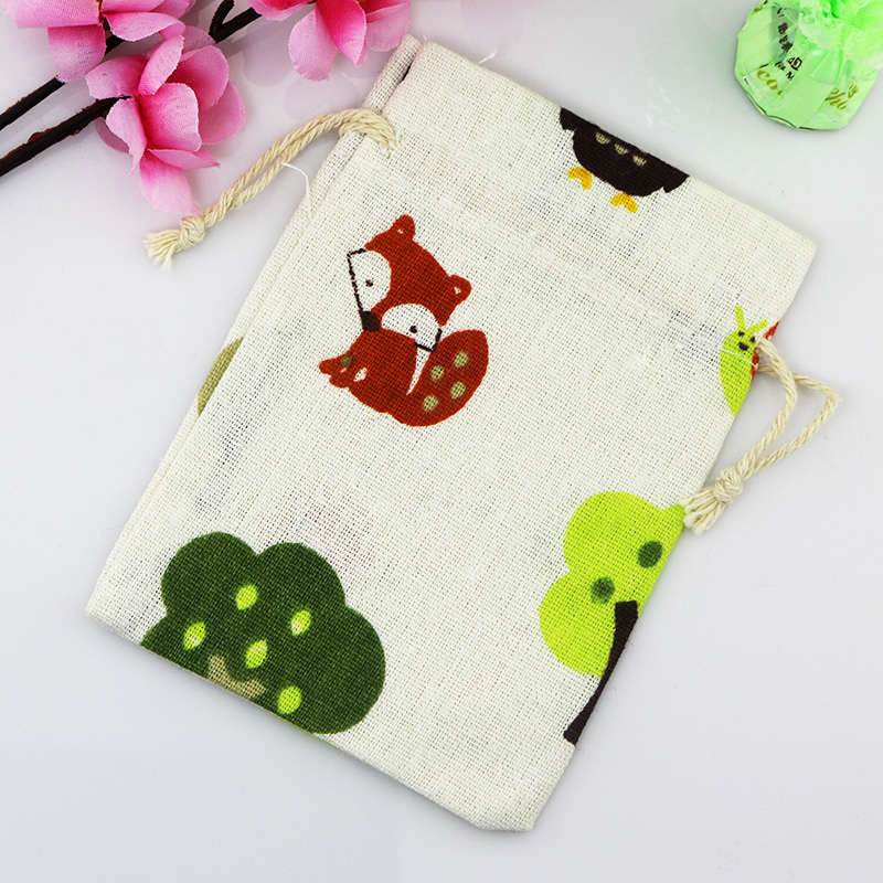 Lovely Red Fox And Green Tree Pattern Cotton Bags 5pcs/lot 10x14cm Small Happiness Eggs Candy Handmade Jewelry Beads Gift Bags