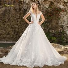 Loverxu エレガントなキャップスリーブレースの王女のウェディングドレス 2020 スクープネックアップリケスイープトレイン a ラインヴィンテージブライダルドレス