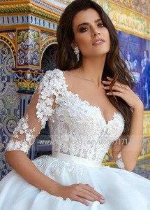 Image 3 - Robe de mariée avec des fleurs 3D, en Tulle, Illusion, à col rond, avec des boutons à larrière, Train Court, robe de mariée