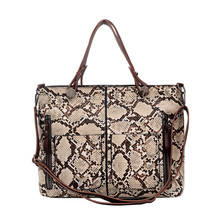 купить Vintage Crocodile Pattern Platinum Bag Portable Big Bag 2019 New European and American FashionHandbagsWild ShoulderMessenger Bag дешево