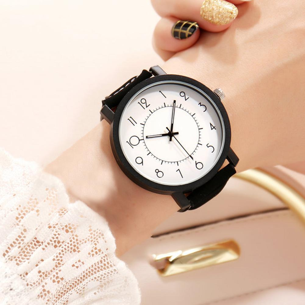 Star Magic Cubes Round Dial Matte Faux Leather Band Analog Couple Quartz Watch Good Choice As Gift For Your Friends Or Family